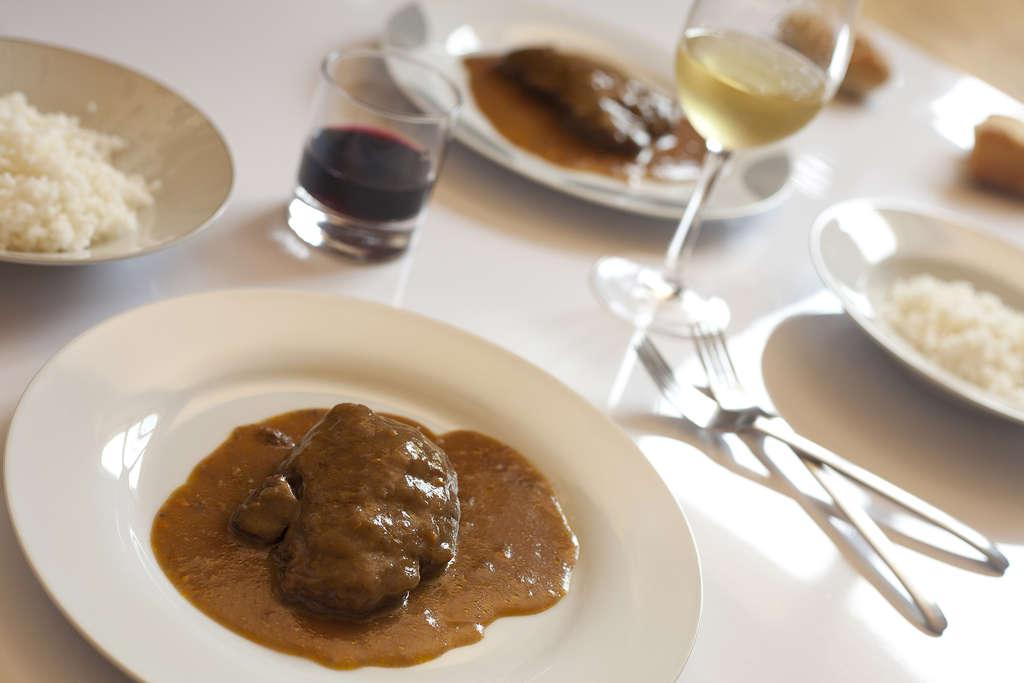 Solomillo de ternera con salsa de vino tinto for Solomillo de ternera