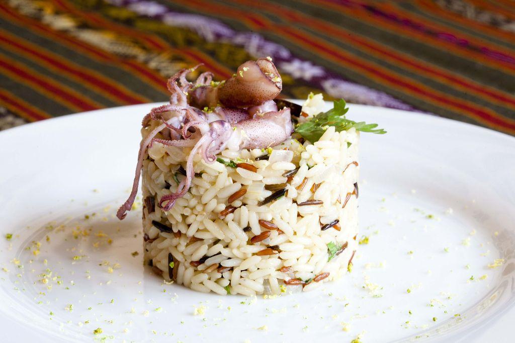 Arroz tricolor con cilantro y puntillas de calamar 1