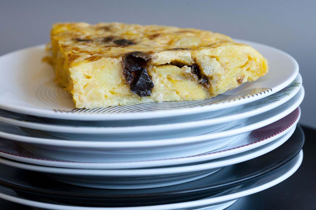 Tortilla de patata y ajo negro 1