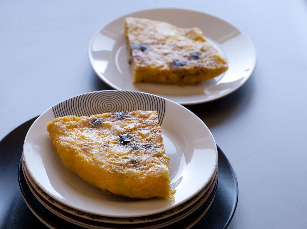 Tortilla de patata y ajo negro 2