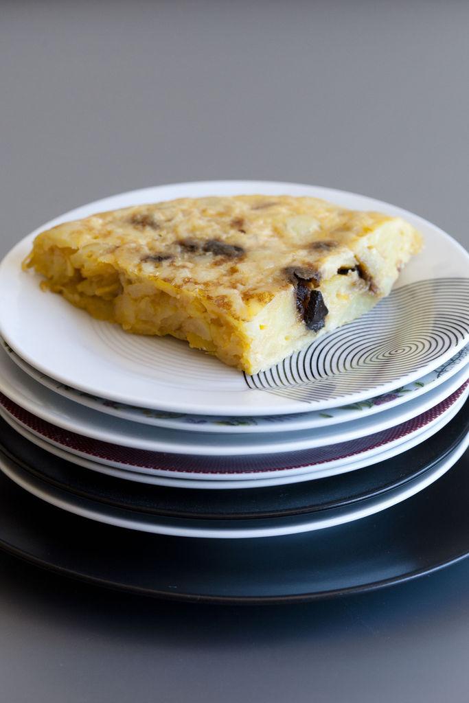 Tortilla de patata y ajo negro 3