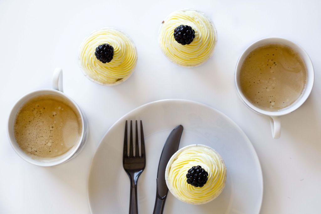 Cupcakes de limón y moras 2
