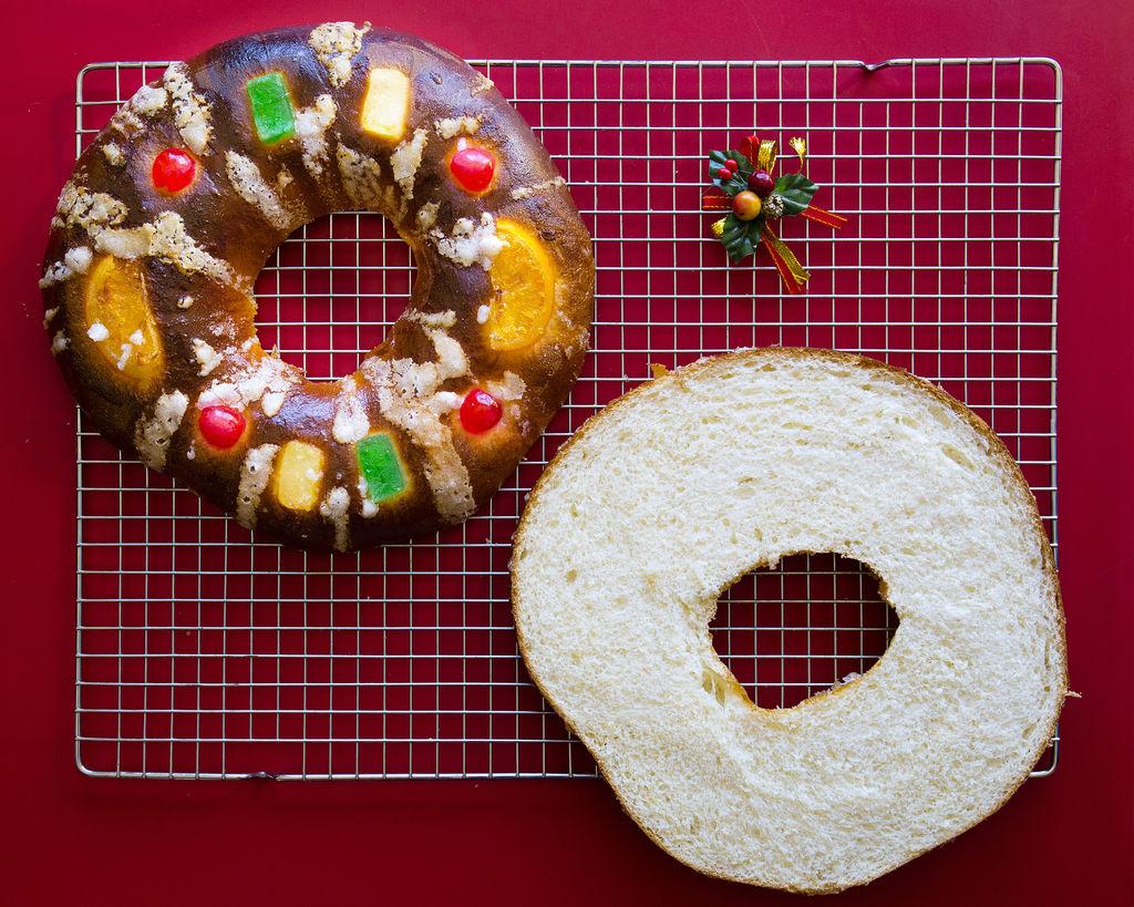Roscón de Reyes relleno de nata 1