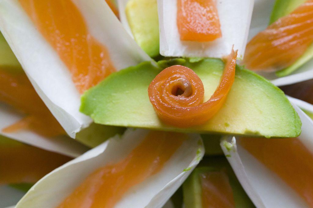 Ensalada de endivias, aguacate y salmón ahumado 1