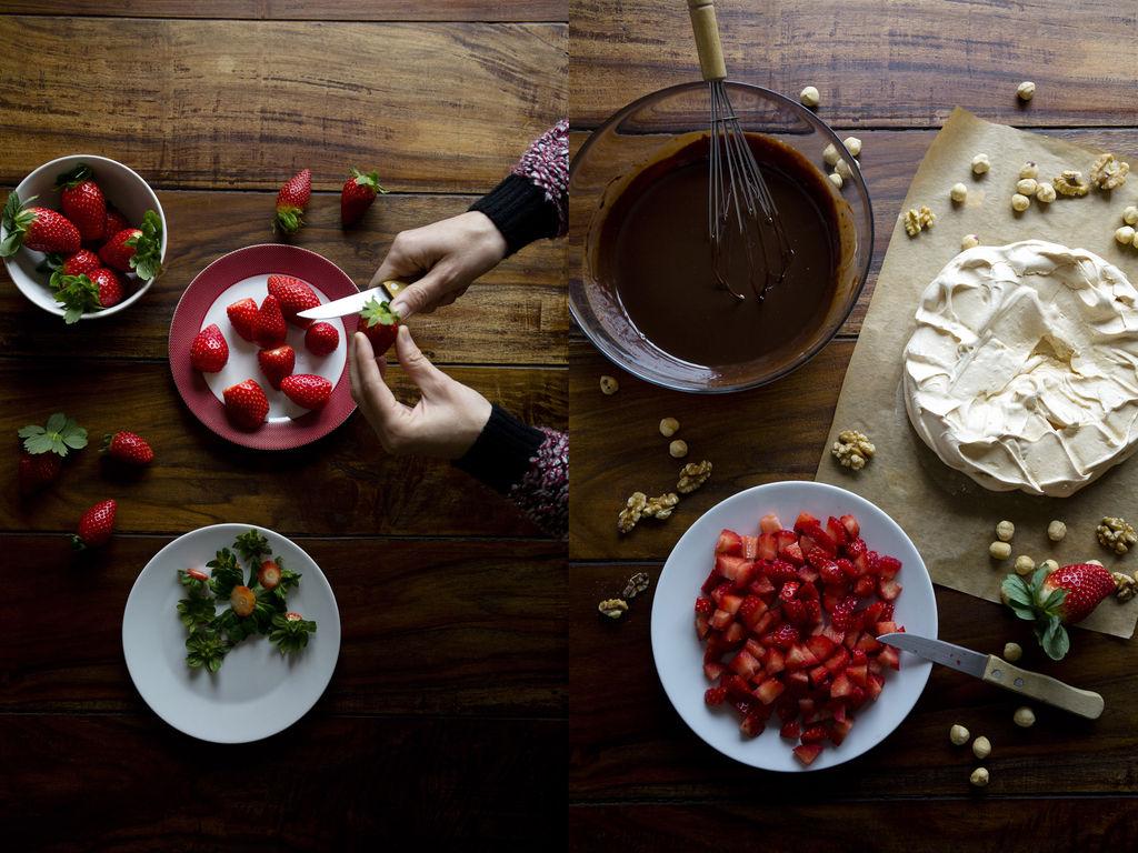 Pavlova con ganache de chocolate negro y fresas 3