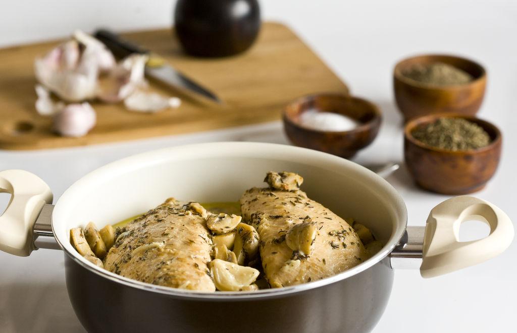 Solomillos de pavo con salsa de ajo, champiñones y tomillo 1