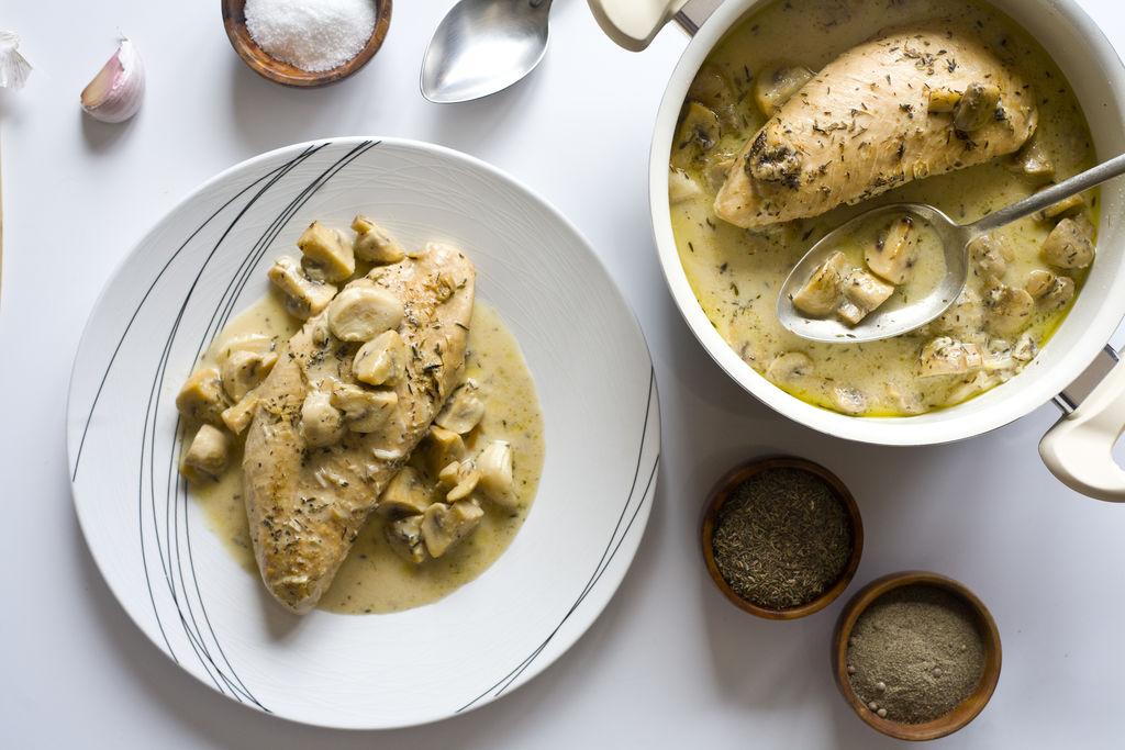 Solomillos de pavo con salsa de ajo, champiñones y tomillo 3