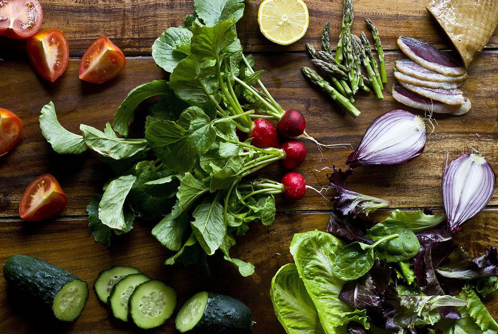 Ensalada fresca de rabanitos y pepino 3