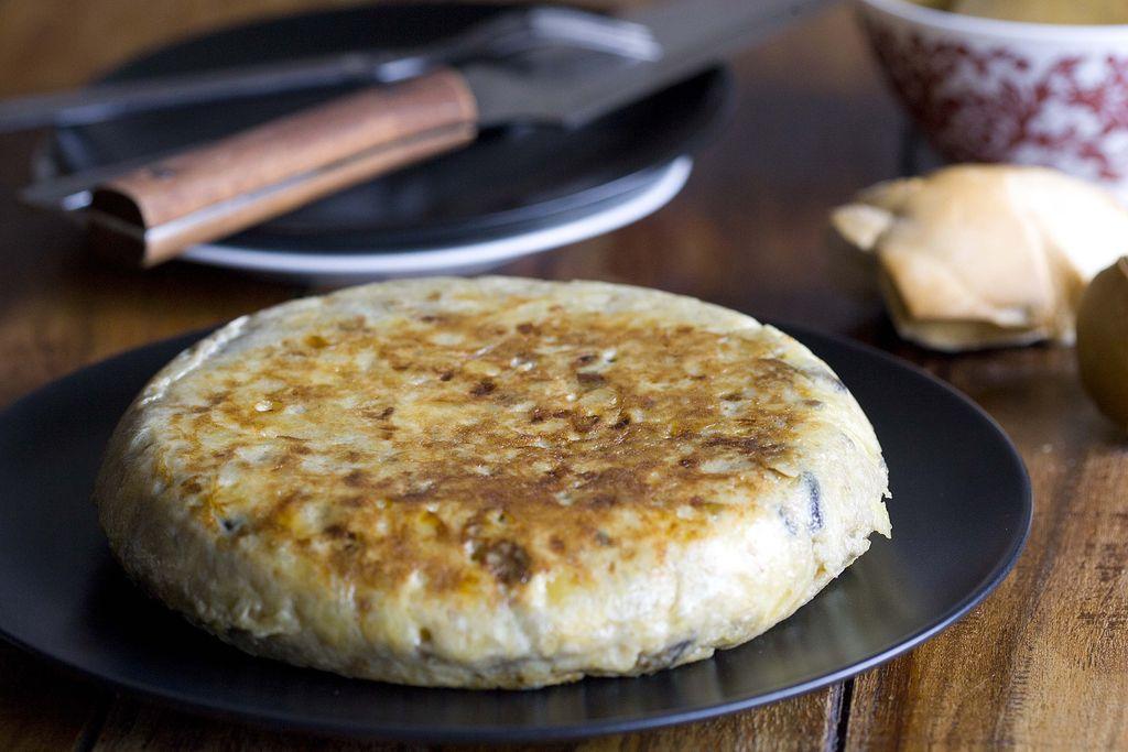 tortilla-de-patatas-y-berenjena-2