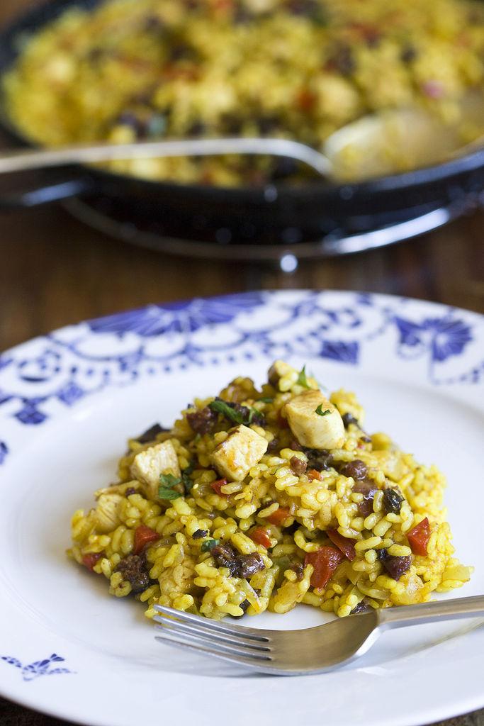 arroz-los-manueles-o-arroz-especiado-con-pollo-y-morcilla-de-guadix-1