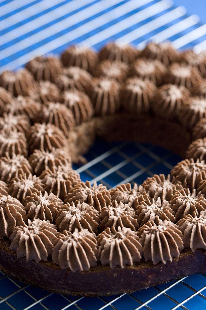 roscon-de-reyes-de-chocolate-relleno-de-trufa-8