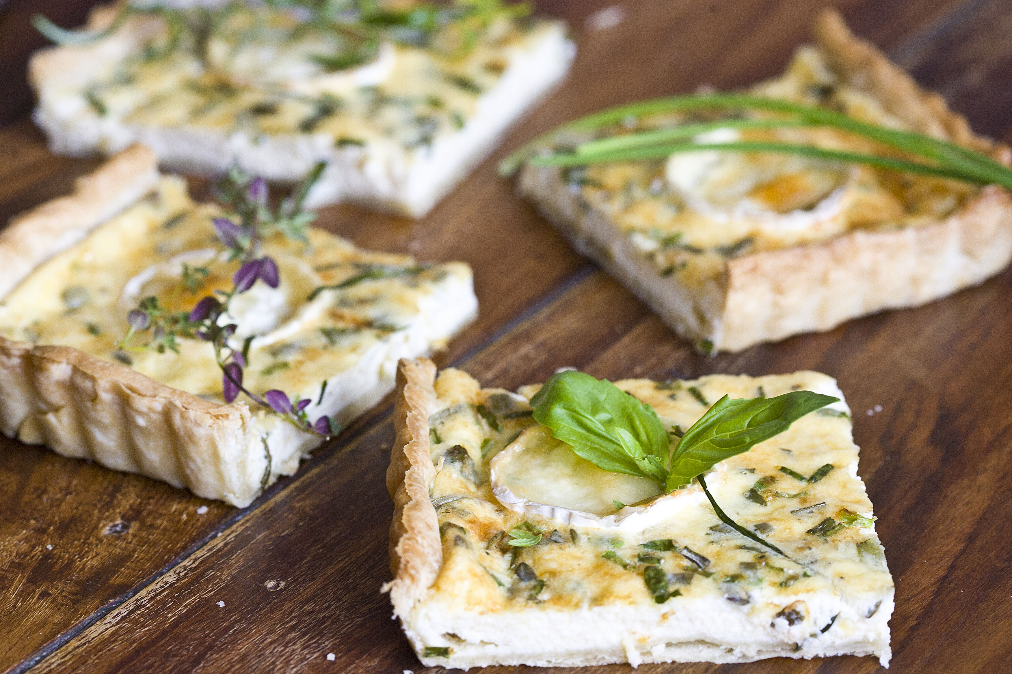 Quiche de quesos y hierbas aromáticas 5