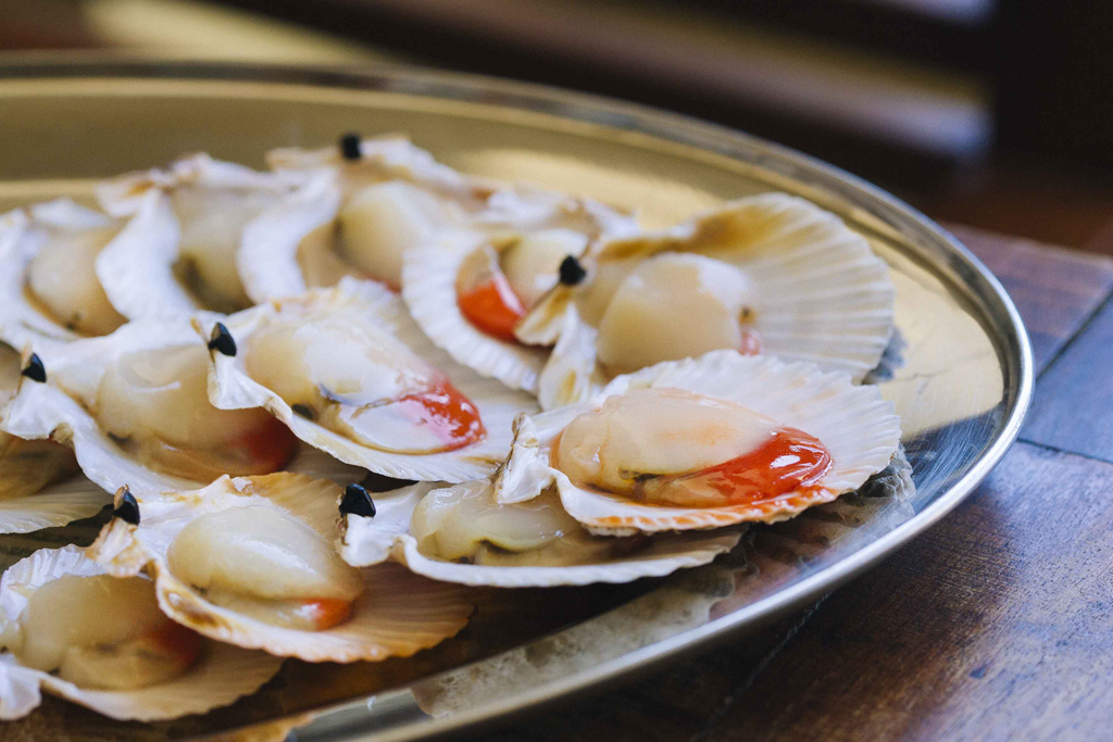 Volandeiras a la plancha con salsa de curry rojo - Salsa para ternera a la plancha ...